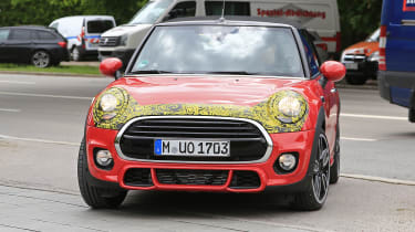 MINI 2018 facelift cabrio front turning
