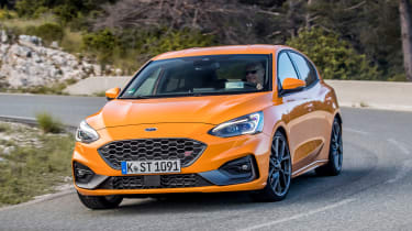 Ford Focus ST - front cornering