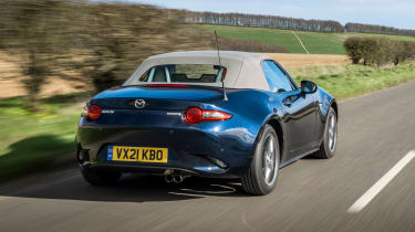 Mazda MX-5 Sport Venture - rear tracking