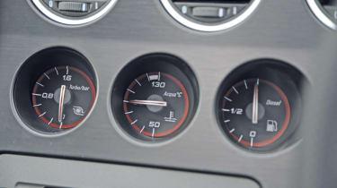 Alfa Romeo 159 2.0 JTDm Lusso dials