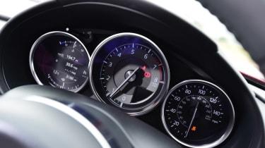 Mazda MX-5 RF - dials