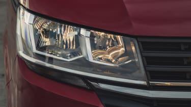 Volkswagen Transporter 6.1 - headlight