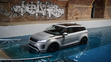 New Range Rover Evoque - water