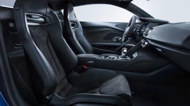 Audi R8 - front seats