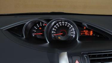 Toyota Verso dials