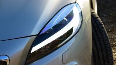 Volvo V40 Cross Country - front light detail