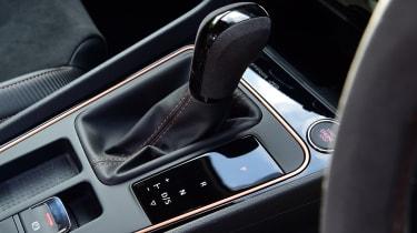 SEAT Leon Cupra R ST ABT - gear lever