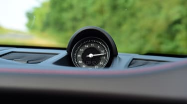 Porsche 911 Cabriolet - clock