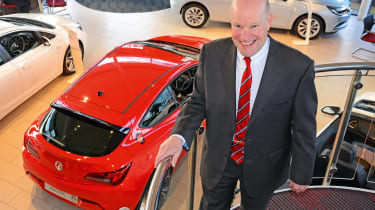 Vauxhall Astra - Simon Railton pan