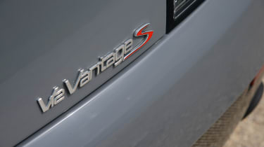 Aston Martin V12 Vantage S - rear badge