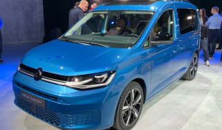 VW Caddy - front reveal