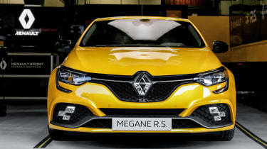 Renault Megane RS Trophy - full front