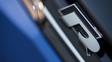 Volkswagen Golf R 2017 badge