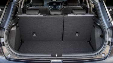 Hyundai i20 Active 2016 - boot 2