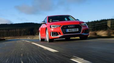 Audi RS 4 Avant - front panning