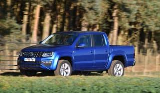 Volkswagen Amarok pick-up 2016 -  side