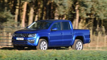 Volkswagen Amarok pick-up 2016 -  side