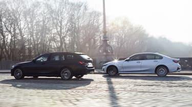 BMW 330e - range side