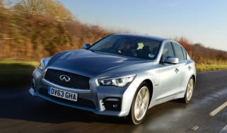 Infiniti Q50 Hybrid front tracking