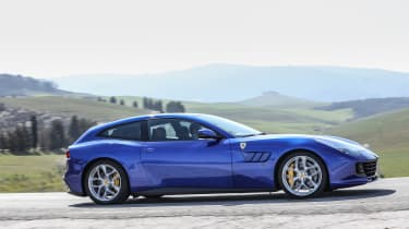 Ferrari GTC4 Lusso T 2017 - blue side tracking