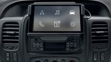Renault Trafic - infotainment screen