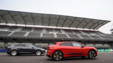 Jaguar I-Pace vs Tesla Model X P100D launch race 0-60-0