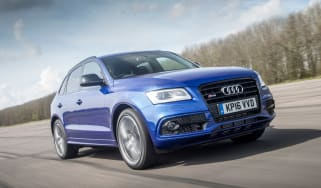 Audi SQ5 Plus 2016 - front tracking