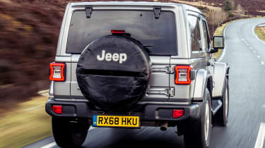 Jeep Wrangler  - rear tracking