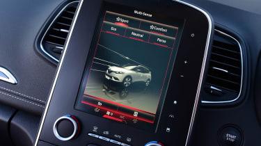 Renault Grand Scenic - infotainment screen