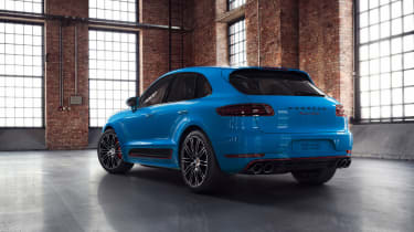 Porsche Macan Turbo Exclusive Performance Edition in blue rear
