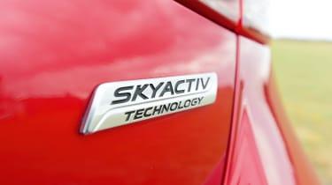 Mazda 2 - badge