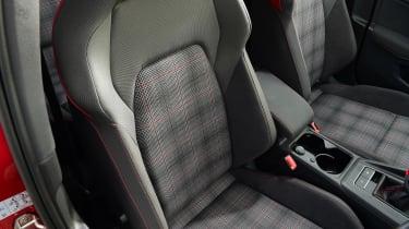 Volkswagen Golf GTI manual - seats