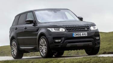 Range Rover Sport HSE MY2017 - front tracking