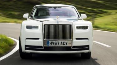 Rolls-Royce Phantom - road front