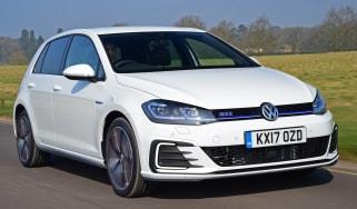Volkswagen Golf GTE 2017 - front tracking