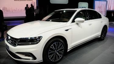 Volkswagen Phideon - front