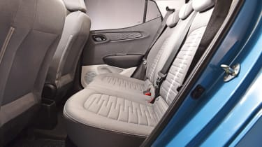 Hyundai i10 - rear seats studio