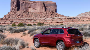 Jeep Cherokee Overland - rear