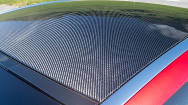 Lexus LC 500 - roof