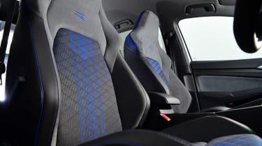 Volkswagen Golf R - seats