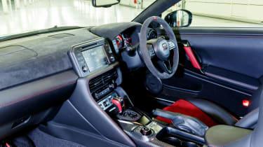 Nissan GT-R NISMO 2017 - interior