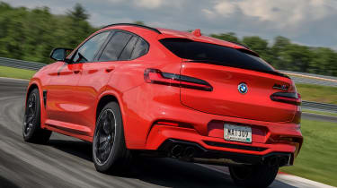 BMW X4 M Competition - rear tracking