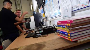 Mechanic desk