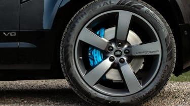 Land Rover Defender V8 - wheel