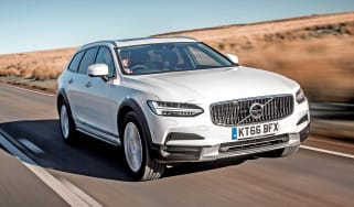 Volvo V90 Cross Country - front