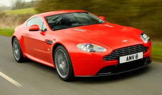 Aston Martin V8 Vantage front tracking