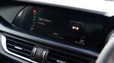 Alfa Romeo Stelvio Nero Edizione - infotainment