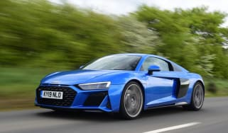 Audi R8 - front tracking