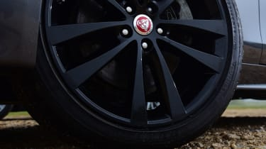 Jaguar XE - wheel