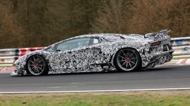 Lamborghini Aventador SVJ - spyshot side/rear